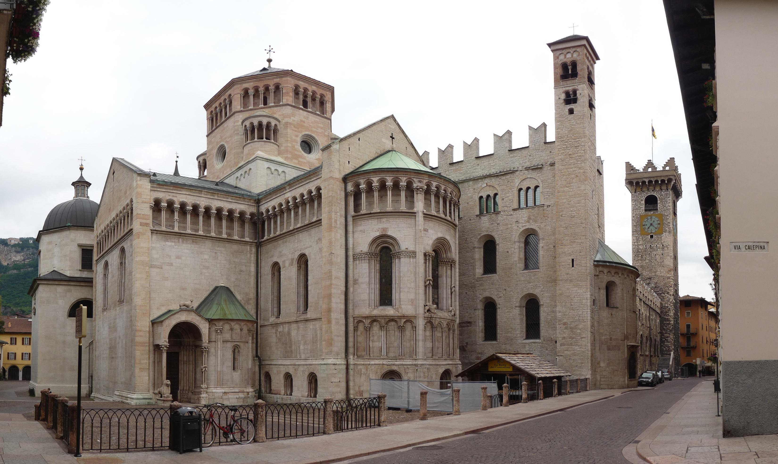 Cattedrale di san vigilio ristorante antico pozzo for Orari apertura negozi trento
